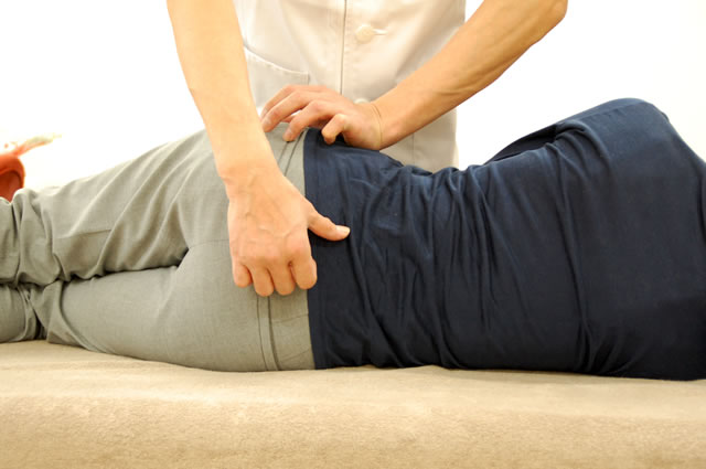 骨盤の動きを改善する AKAイメージ